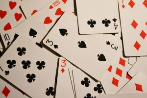 Get to play interesting poker game from Dice online